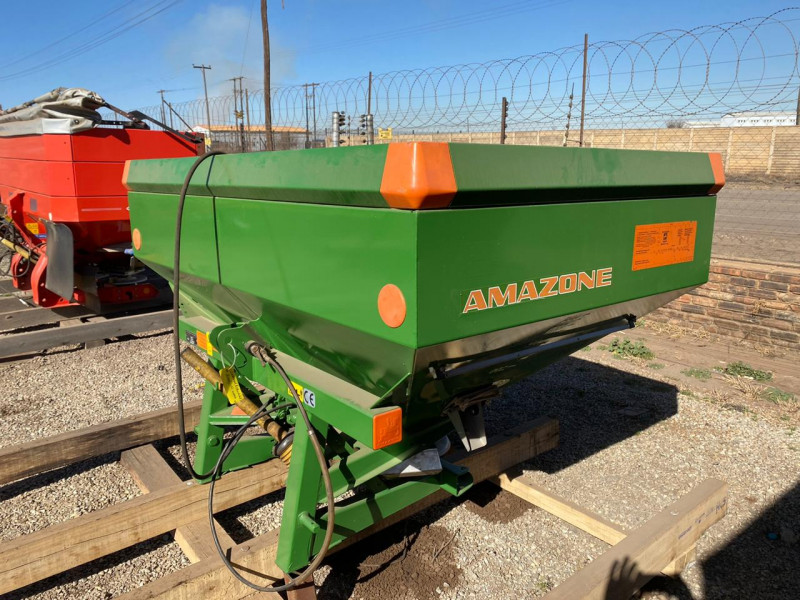 Amazone Lift Spreader
