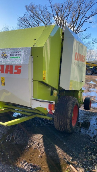 Claas 240 rotor feed baler.