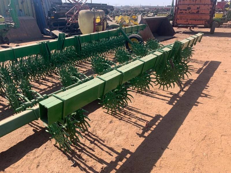 John Deere 400 6 row 3ft Roltandeg